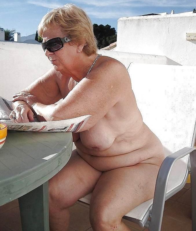 Plan sexy sur Nimes avec une cougar prête à tout